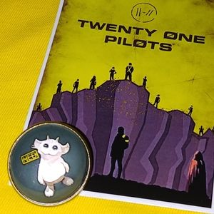 Twenty One Pilots 21 Ned Trench Pin Button